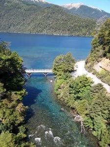 Lago Correntoso, foto, villa la angostura, arrayán, lago, puerto manzano, patagonia, defiestaenamerica.com
