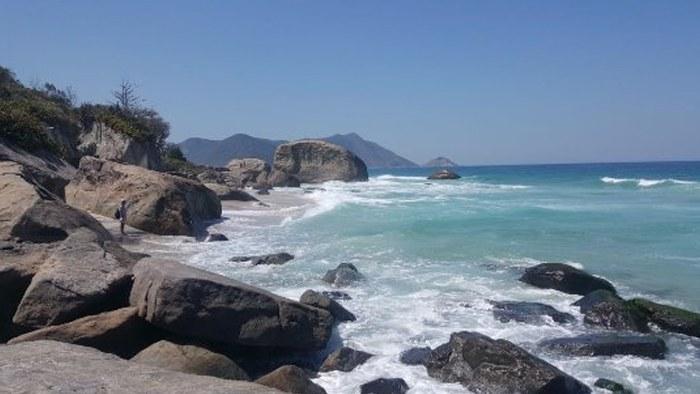 Playas nudistas de brasil, playa Abricó, Río de Janeiro